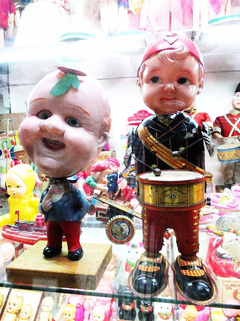 ゼンマイで動くセルロイド人形